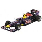 Minichamps - 410110002 - Véhicule Miniature - Red Bull Racing Renault RB7 2011 Mark Webber - Echelle 1:43