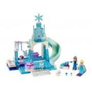 LEGO Anna si Elsa la locul de joaca (10736)