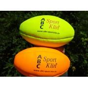 Minge de rugby prevazuta cu maner
