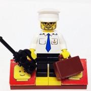 MinifigurePacks: Lego City/Town Bundle (1) BOAT CAPTAIN (1) FIGURE DISPLAY BASE (2) FIGURE ACCESSORIES