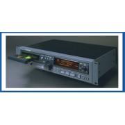 Tascam CD-RW 2000 - Lecteur enregistreur Broadcast de CD-R et CD-