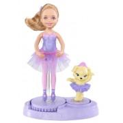Barbie X8818 - Mini Muñeca - Chelsea con mascota perro (vestido de bailarina con tutu, color morado)