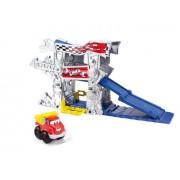 Hasbro Chuck and Friends Chuck mini escenarios Gas Up Garage - Escenario con rampas para coches de juguete