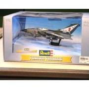 Revell 08206 - Maqueta de avión de combate Tornado de la RAF (escala 1:72)