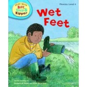 Oxford Reading Tree Read with Biff, Chip, and Kipper: Phonics: Level 4: Wet Feet by Roderick Hunt