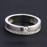 Anel de Ouro Branco com 34 Diamantes de 1 Ponto Cada e 1 Diamante de 7 Pontos