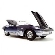 1961 Chevrolet Corvette Mako Shark Diecast Model 1:18 Die Cast Car