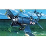 Trumpeter 02222 - Modellino di caccia statunitense Chance Vought F4U-4 Corsair