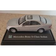 Macheta Mercedes S-Class sedan Scara 1:72 Cararama