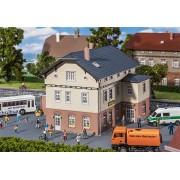 Faller Gemeentehuis met school 130457