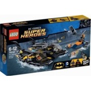 Set de constructie Lego The Batboat Harbor Pursuit