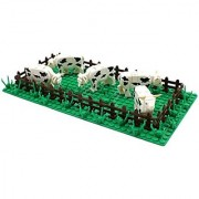Country Farm Cow Pasture with Animal Mini Figures Fence Base Plate and Grass Stems