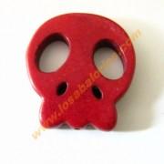 Calavera plana howlita 25x28x4 mm color rojo oscuro