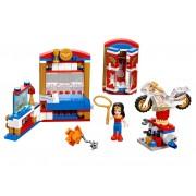 LEGO Dormitorul lui Wonder Woman™ (41235)