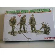 Dragon German WW II Mine Detectors Plastic Military Miniatures