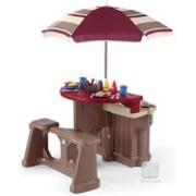 Grill & Play Patio Café
