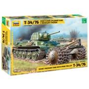 T-34/76 Soviet tank with mine roller makett Zvezda 3580