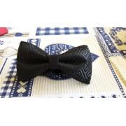 Papion handmade negru din brocard cu model geometric