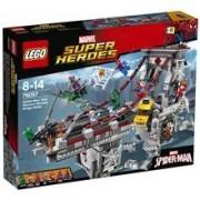 LEGO 76057 Spindelmannen nätkrigarnas ultimata brostrid