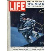 Life, International Edition, Vol. 39, N° 12, Dec. 1965 (Contents: Man S Step Into Space. Now That Man Has Learned To Leave It, Our World Will Never Be The Same Again. An Article By Arthur C. ...