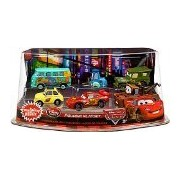 Disney / Pixar CARS Movie Exclusive PVC Figurine Playset Lightning McQueen Pit Crew Includes Luigi, Guido, McQueen, Mater, Sarge Filmore by Mattel