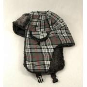 Heerlijk warme wintermuts grijs geruit met oorkleppen