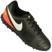 Chuteira Society Nike Tiempo Rio III IC Juvenil