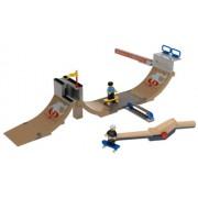 LEGO Sports Gravity Games: Skateboard Vert Park Challenge