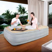 Bestway Zvýšená nafukovací postel, vestavěná pumpa 203x152x46 cm 67486