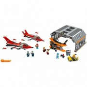 LEGO® City Paradă de aviație pe aeroport 60103