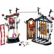Mobilier Casuta Papusi Mattel Monster High Rochelle Goyle Si Circul Monstruos