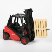Bruder Linde H30D Forklift With Pallets - 2511