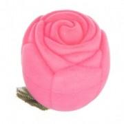 Rózsaszínű bársony díszdoboz gyűrűnek - rózsa levelekkel