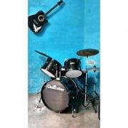 Percussion Full Size Complete Adult 5 Piece Drum Set with Cymbals Stands Stool and Sticks Black