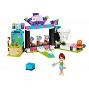 LEGO Sala de jocuri din parcul de distractii (41127)