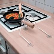 Serpenyőtartó konyhai segéd