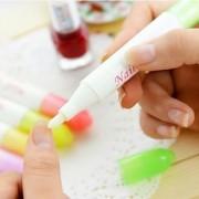 Unha Nail Art Ferramenta de Remoção polonês Pen com 4 pontas (cor aleatória)
