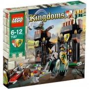 Lego Kingdoms Escape from Dragon'S Prison