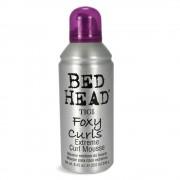 TIGI Bed Head Foxy Curls spuma pentru parul cret