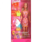 Barbie Weekend Style Fashion And Accessory Gift Set - 2001