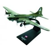 Boeing B-17F Flying Fortress diecast 1:144 model (Amercom LB-2)