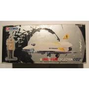 "Corgi James Bond 007 Die Cast Collection "" Moonraker "" Space Shuttle & Hugo Drax Figure Box Set"