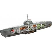 German U-Boot Type XXI with interior tengeralattjáró makett revell 5078
