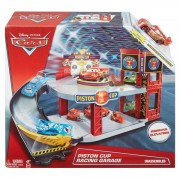 Set de joaca Garaj - Piston Cup Racing Garage - Disney Cars 3