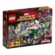 LEGO Super Heroes - El atraco de Doc Ock al camión acorazado (76015)