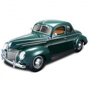 Maisto Die Cast 1:18 Scale Green 1939 Ford Deluxe Coupe