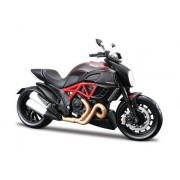 2011 Ducati Diavel Carbon [Maisto 20-11023], Red Black, 1:12 Die Cast