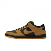Nike SB Dunk Low Pro Unisex Skateboarding Shoe (Men's Sizing)