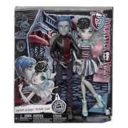 Monster High Love In Scaris Garrott Du Roque si Rochelle Goyle
