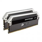 Corsair Dominator Platinum CMD16GX4M2B2400C10 Kit di Memoria RAM da 16GB, 2x8GB, DDR4, 2400 MHz, CL10, Nero